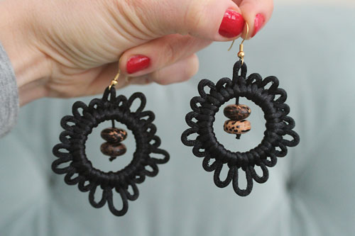 diy macrame hoop earrings