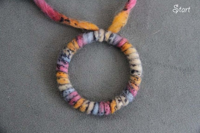 diy knit necklace
